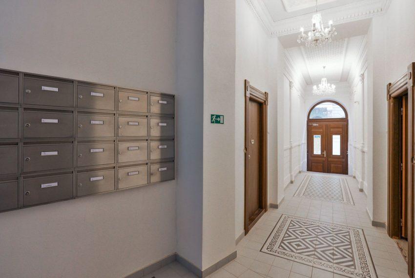 456403-resize_kvartira-3-komnaty-rehorova-zhizhkov-zizkov-praga-3
